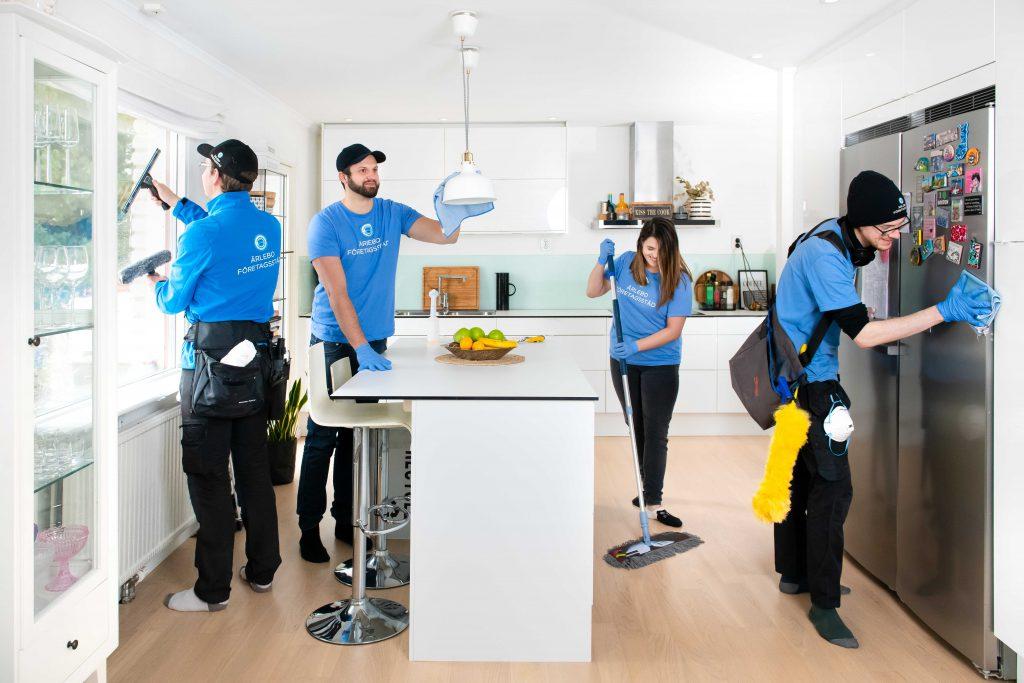 Städfirma städar ett kök i Umeå, Ärlebo Företagsstäd